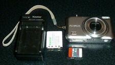 Fujifilm FinePix JX250 14MP Digital Camera 5x Optical +battery, charger 4GB Card