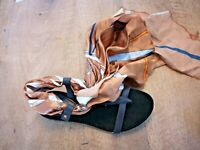 Cafè noir sandales cuir noir foulard NEUVES Valeur 109E Pointures 36,39