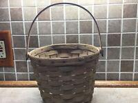 "1989 Longaberger Vintage Medium Fruit Basket -7"" Tall, 8"" Across Inverted Bott"