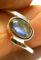 Handmade 925 Sterling Silver Crossover Ring with Labradorite (8 x 6 mm) Size L
