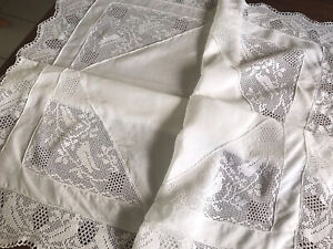 """VINTAGE HAND CROCHET """" Birds """" White LINEN Lace Table Cloth 43x43 inches"""