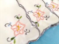 4 Vintage IVORY CUTWORK EMBROIDERED NAPKINS Peach Flower w/Grey Scalloped Edge