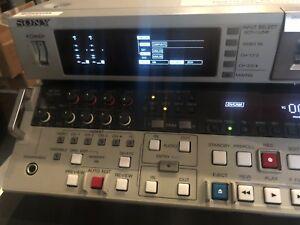 Sony DSR-2000 DV Cam Player/Recorder w/ SDI, S-VIDEO, COMP & AES - OriginalOwner
