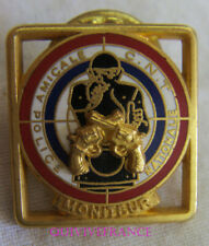 BG10146 - INSIGNE BADGE PIN'S POLICE NATIONALE AMICALE CNT MONITEUR or