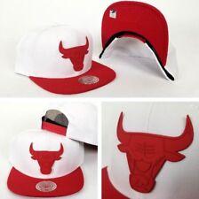 Mitchell & Ness White / Red Metal Badge Logo Chicago Bulls snapback Hat Cap