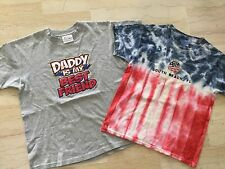 "HANES: LOT DE 2 T-SHIRTS GARÇON 8-10 ANS PEACE & LOVE / ""DADDY IS MY BEST FRIEND"