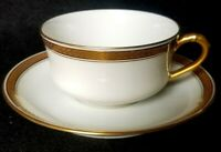 ANTIQUE LIMOGES HAVILAND & Co STUNNING GOLD LEAVE BAND TRIM CUP AND SAUCERS