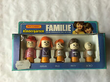 Matchbox Kindergarten Rare Papa Mama Paul Patty Bobo in OVP
