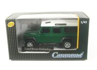 Land Rover Defender 110 (dark green/white)