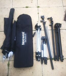Neewer OCTA 140cm Large Softbox with 3 Umbrella Diffusers and 3 Camera Tripods