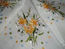 Tolle Tischdecke   Mitteldecke  93 cm / 93 cm Blumen  Handarbeit NEU  Shabby