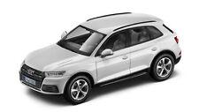 Original Audi Q5 8R Facelift Model Car 1:43 Ibis White Ibis White 5011605631