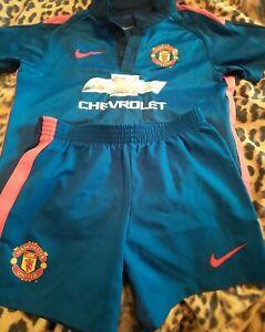 Man Utd Kit Size 3-4yrs