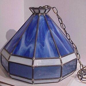 VTG. HANDCRAFTED TIFFANY STYLE LEADED SLAG GLASS HANGING PENDANT LIGHT FIXTURE