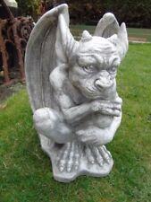 gargouille en pierre patinée, statue d un monstre ailées , nouveau   !