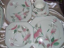 NEW UNUSED Retro Mikasa 5 piece dinner set Silk Flowers - 20 pieces