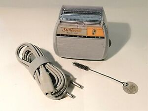 Rasoio elettrico vintage SUNBEAM ROLLMASTER Multi Volt completo di accessori
