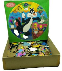 """Vintage 1983 Tweety & Sylvester Round Jigsaw Puzzle 125 Piece 20"""" Dia 5 Yrs & Up"""