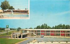 Perry Georgia~Lone 1960s Car in Parking Lote~TraveLodge~Swimming Pool Inset