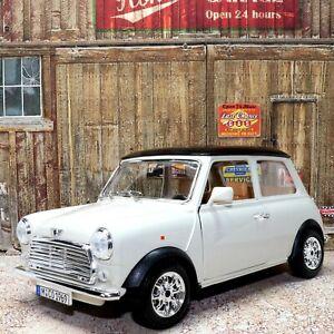 Mini Cooper 1969 1:18 Scale Detailed Die-cast Metal Model Toy Car Bburago