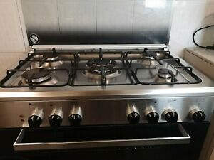 Cucina a gas con forno elettrico