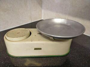 Vintage Retro scales Harper balance scales Kitchen Scales vintage kitchen scales