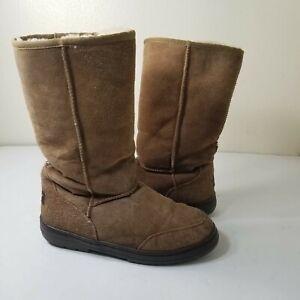 UGG Australia women's size 8 Ultimate Tall Braid Beige Winter snow boot