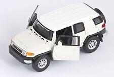 BLITZ VERSAND Toyota FJ Cruiser weiss / white Welly Modell Auto 1:34-39 NEU OVP