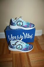 Yes We Vibe Peace Sign Sneakers - Brand New Women's size 36/6