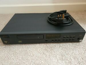 Arcam alpha 7SE CD player - Black with remote. In the What Hi-Fi hall of fame