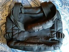 SMALL PRE-OWNED KENNETH COLE REACTION BLACK NYLON OVERNIGHT TOTE BAG