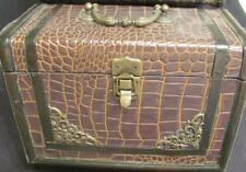 Vintage ALLIGATOR SKIN Collectible BOX JEWELRY TRINKET
