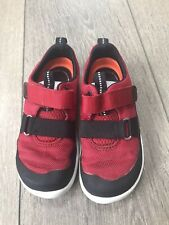 Boys Clarks Red And Black Traibers Size 8.5 F