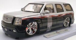 Jada 1/18 Scale Model Car 63107 - Cadillac Escalade - Silver/Black