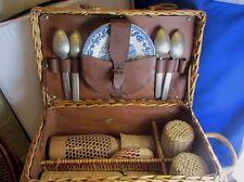 ancienne valise pique nique en osier et cuir panier