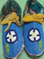 NATIVE AMERICAN FULL BEAD MOCCASINS  CIRCLE BLUE SZ9