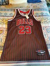 Michael Jordan Chicago Bulls Nike NBA Jersey Size 48 Medium Pin stripes road
