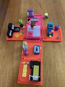 Mini Mixie Q Bulk Lot Play Set, Figurines & Accessories