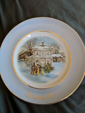 "1977 enoch wedgwood avon christmas collector plate ""carollers in the snow"""