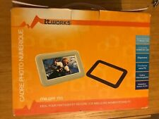 "IT Works 7"" Digital Picture Frame (ITW-DPF 703)"