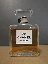 CHANEL NO 19 PURE PERFUME 15 ML 1/2 OZ SEALED TOP NO BOX RARE VINTAGE FORMULA