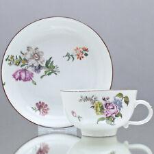 Meissen um 1750: Tasse mit Holzschnitt Blumen, Teetasse, brauner Rand