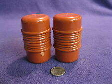 Maroon Ribbed Column Salt and Pepper Shaker Plastic ABCD                76
