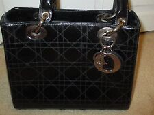 Box style Guess purse. Black color