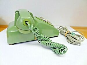 **Vintage  1975 BELL SYSTEM WESTERN ELECTRIC GREEN ROTARY DESK PHONE**