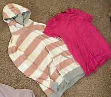Lot of clothes - women Xl shirts dress bra