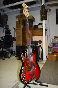 Fretless Lefty 2010 Squier Standard P-Bass Special