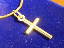 9k 9ct Solid Gold Small Crucifix Cross Pendant. 24mm, 0.74g