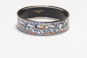HERMES La Vie du Grand Nord Reindeer Palladium Plated Enamel Bangle Bracelet