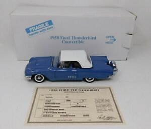 1/24 Danbury Mint 1958 Ford Thunderbird Convertible in blue with white roof